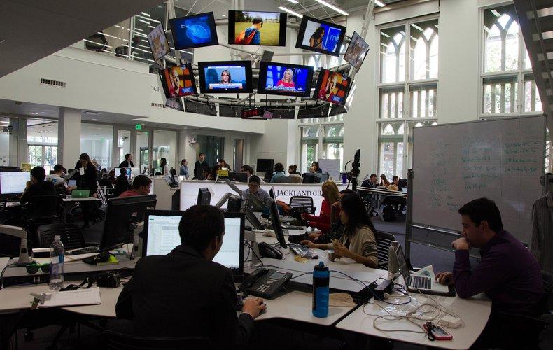 USC Annenberg school newsroom
