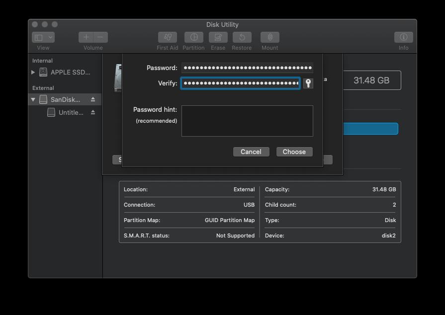 Disk Utility dialog to set encryption passphrase for USB