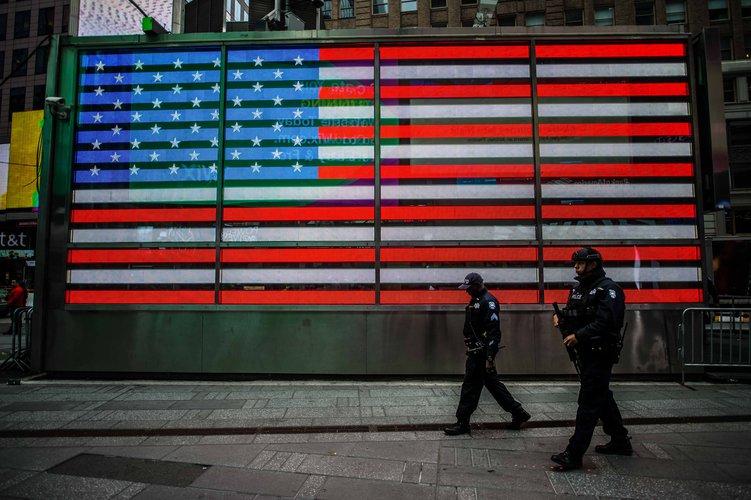 New York City police photo by Roman Koester on Unsplash